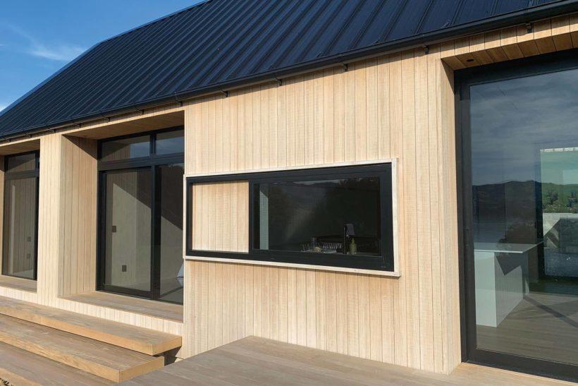 Coastal Banks Peninsula House - Vulcan Cladding in Sioox finish - Abodo Wood