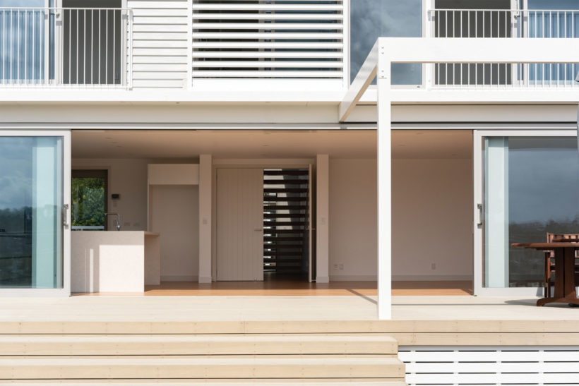 Mangrove Home - Vulcan Cladding and Sand Decking - Abodo Wood
