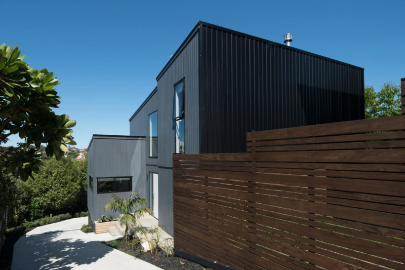Takitimu House - Vulcan Cladding & Sand Decking - Abodo Wood